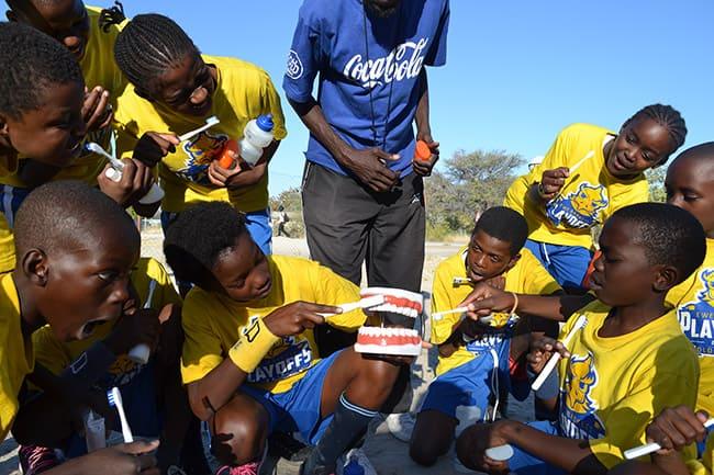 Zähne Putzen Guide in Namibia - OBS-Basketball